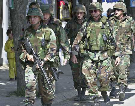 kosovousatroopssept12.jpg